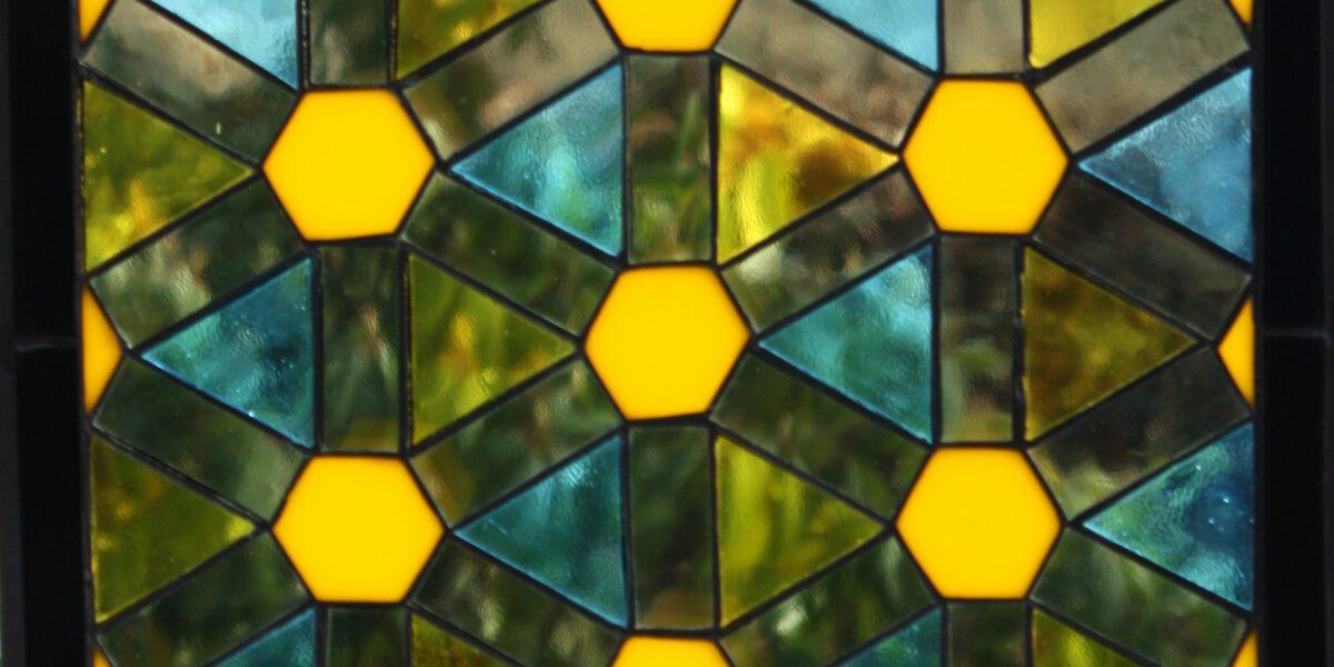 Tiffany glas is een van onze specialiteiten.