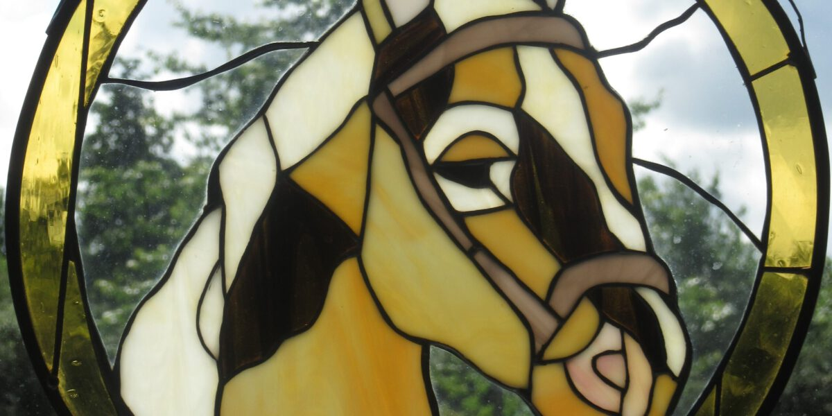 Tiffany glazen panelen is een van onze specialiteiten.