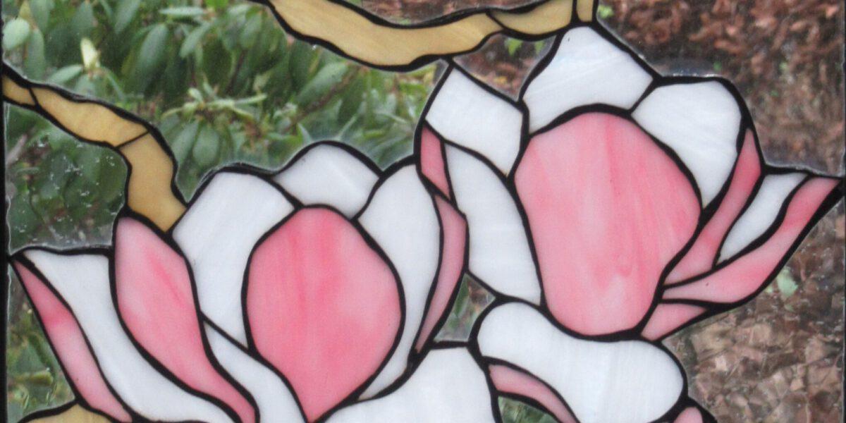 Tiffany glas is een van de ambachten die wij geregeld toepassen